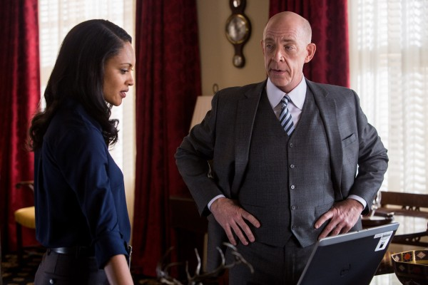 the-accountant-cynthia-addai-robinson-jk-simmons-600x400