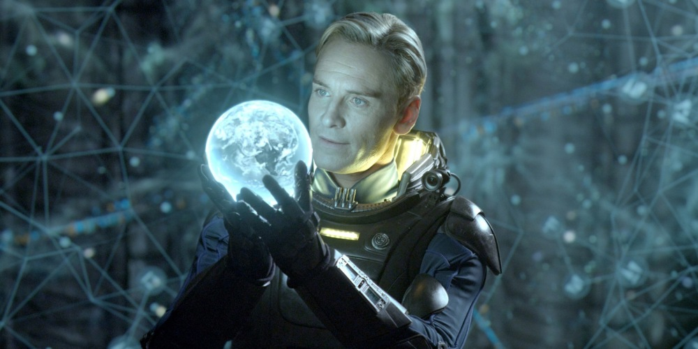 Michael-Fassbender-as-David-in-Prometheus-high-res