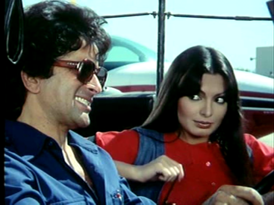 cinemachaat_kaala-patthar_parveen-babi-as-anita