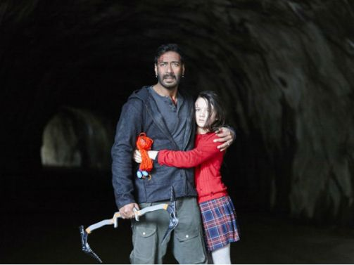 ajay-devgn-and-abigail-eames-29-1477714419