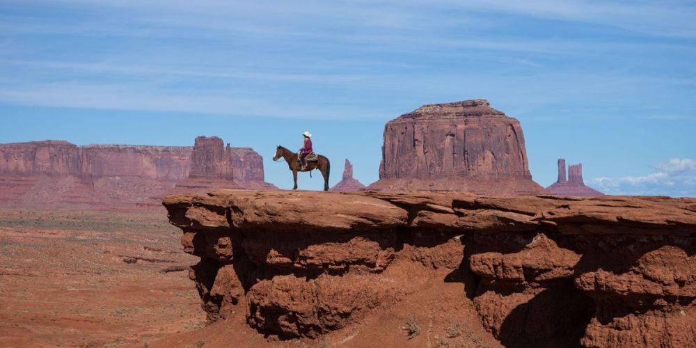 western-wanderlust-picture-id593949823-hero-large-109fedd9-1439-48ee-8993-2e70f6ec0bf6