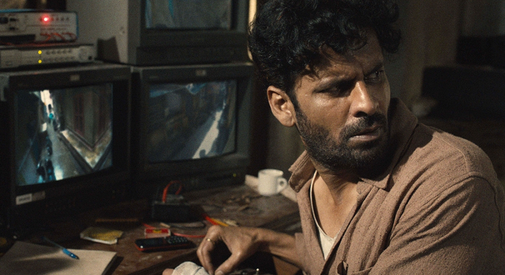 Film_Companion_Review_Gali-Guleiyan_In-the-Shadows_Manoj-Bajpayee_Dipesh-Jain_lead_1