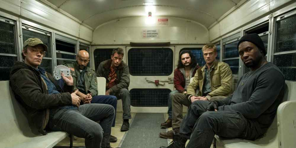 the-predator-new-cast-photo